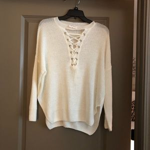 Light weight knit lace-up cream sweater s/m